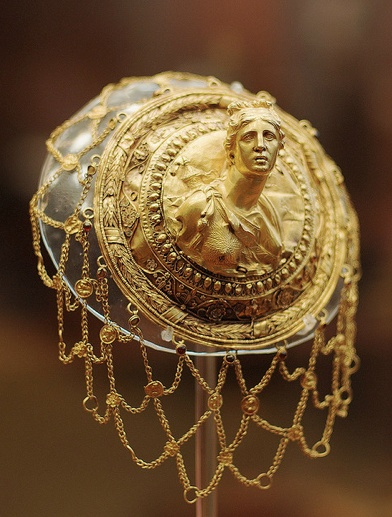 Artemis Hairnet from the National Archaeological Museum in Athens.
