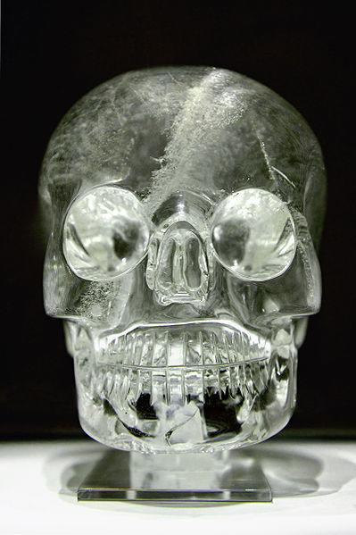 The British Museum crystal skull (Image courtesy of Wikipedia Creative Commons, photographer Rafał Chałgasiewicz).